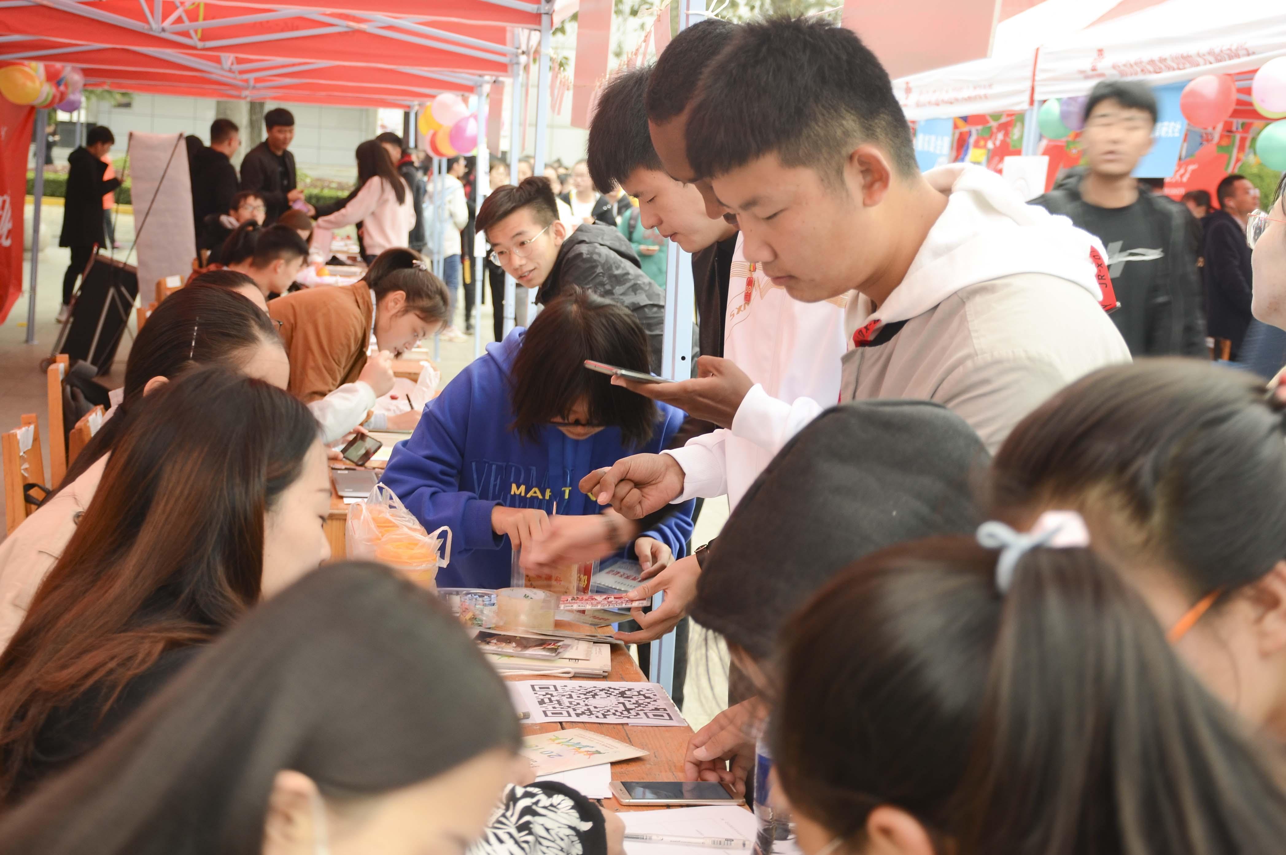 足球社团活动总结_汉文化社团总结_全国青少年校园足球总结活动
